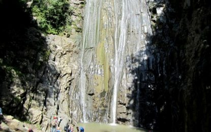 آبشار میلاش گیلان رحیم آباد
